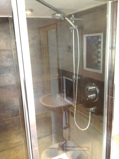 Bathroom-bath-3