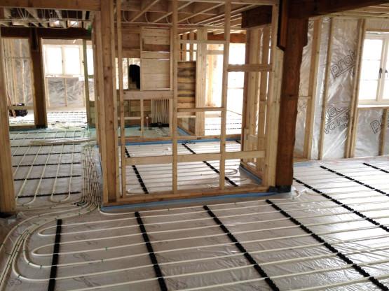 Gloucestershire Plumber installs underfloor heating 3