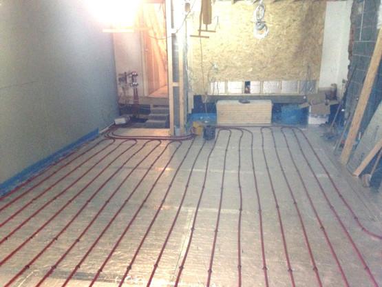 Gloucestershire Plumber installs underfloor heating 2